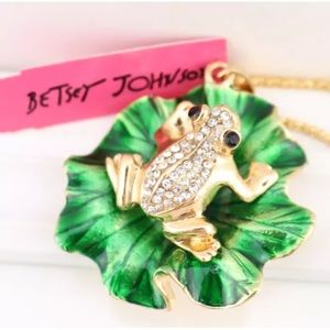 NWT Betsey Johnson frog necklace
